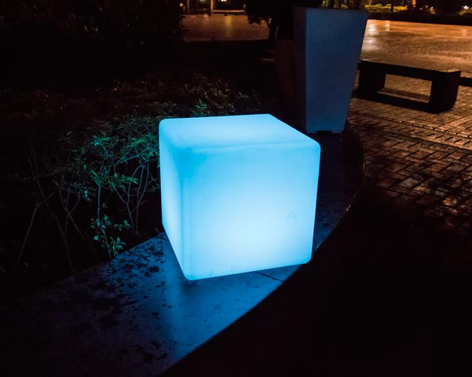 Small Waterproof Outdoor LED Cube Low Power Consumption With Remote Control